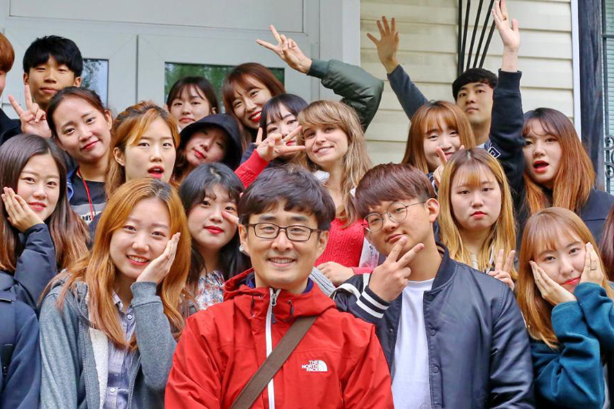 Korean Students Study Archaeology in Siberia